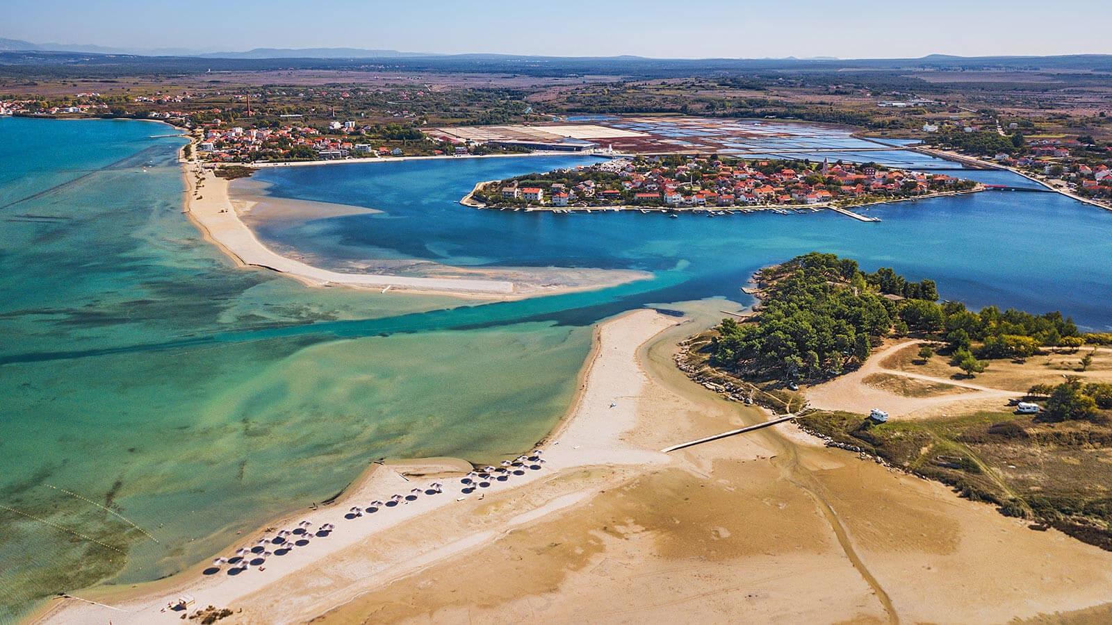 Queen's beach in Nin