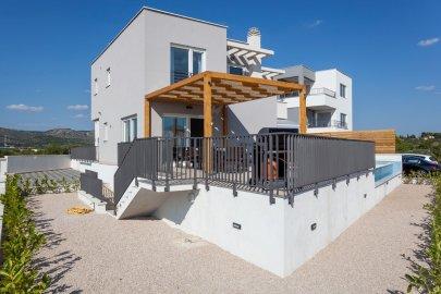 Villa Lomari