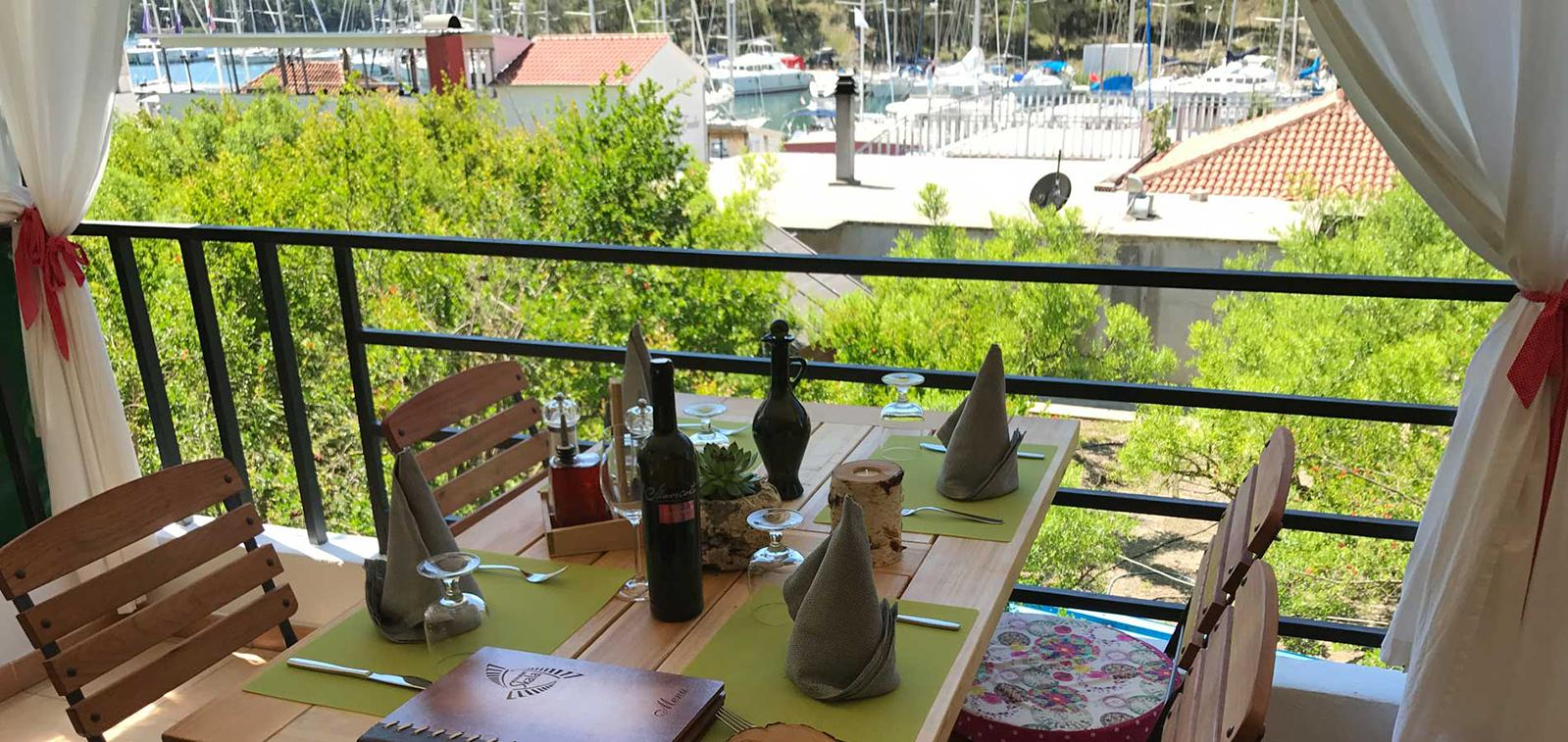 Restaurant Skala in Skradin: Feel the Damatian tradition with every bite