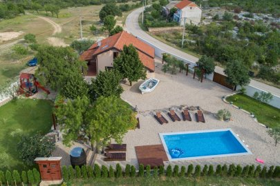 Family Villa NI-SA Croatia