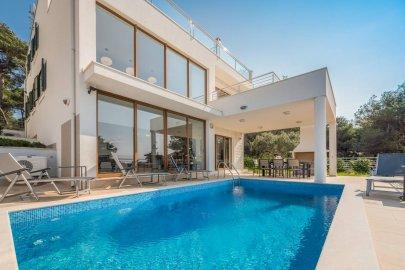 Luxury villa Natali Rogoznica