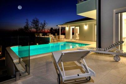 Hilltop Villa Prestige in Makarska