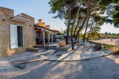 Villa Fisherman House